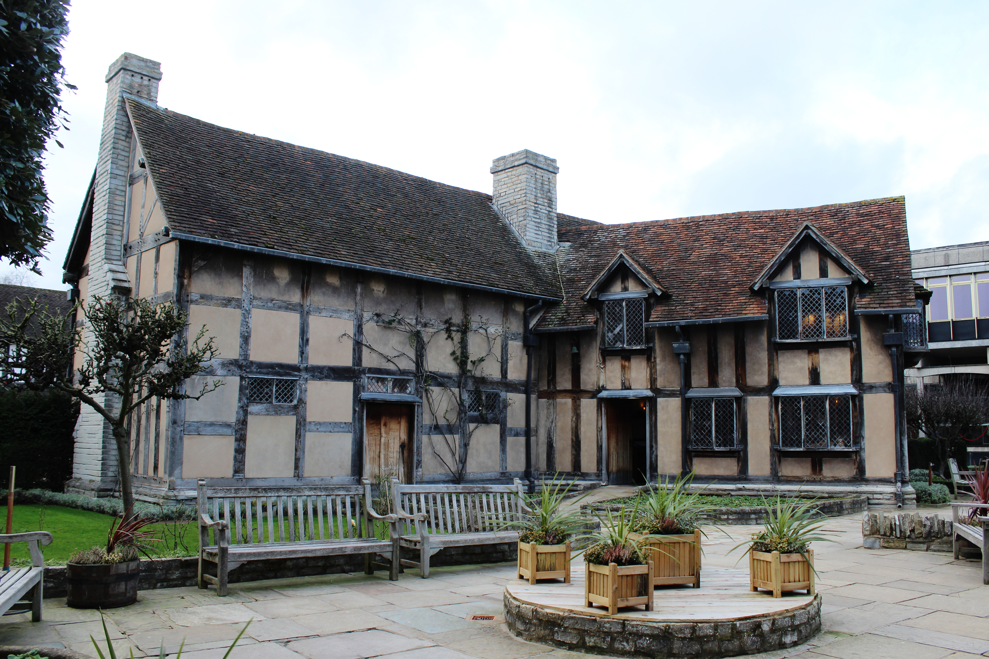 Exploring shakespeare s hometown stratford upon avon for The stratford