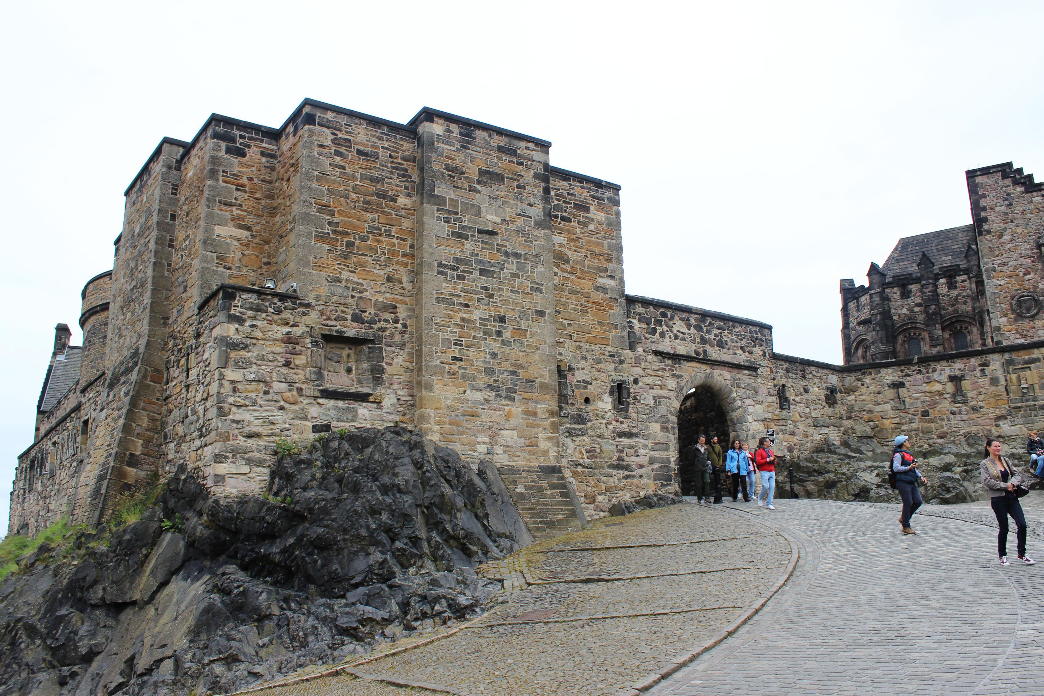 edinburgh castle christmas eve